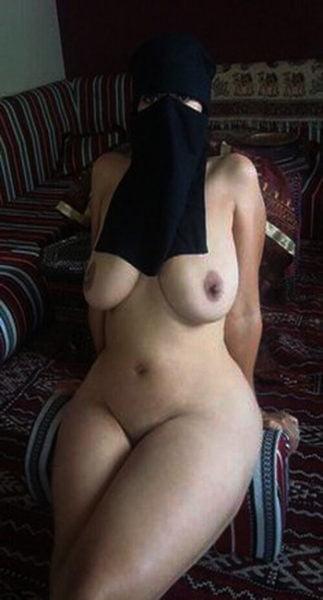 Viens faire l'amour avec une f de ménage orientale dans une maison bourgeoise à Nice